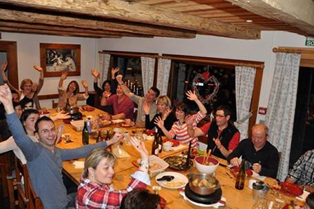 Chalet pour anniversaire chalet de l 39 armanaz for Repas pour soiree entre amis